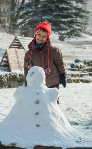 Schnee zur richtigen Jahreszeit und Sonne noch dazu - das erfreut Jung und Alt