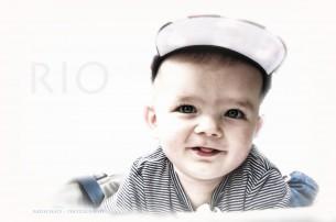 Fotos von Kindern und Babys  auf weißem und klaren Hintergrund